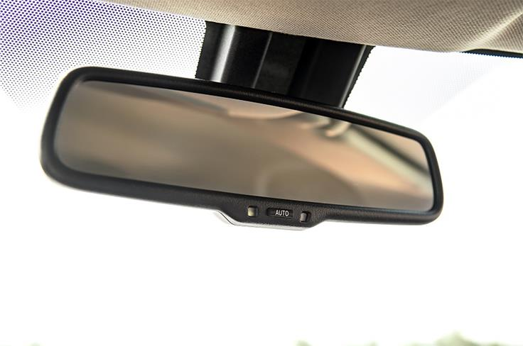 Auto-dimming mirror is part of the package.