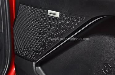 The Sonet offers a 7-speaker Bose system.