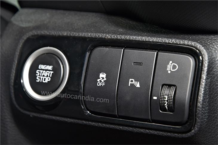 The ability to remote-start the engine and pre-cool the car will also be offered on the manual-gearbox versions.