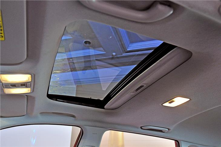 The i20 features an automatic sunroof on the higher trims