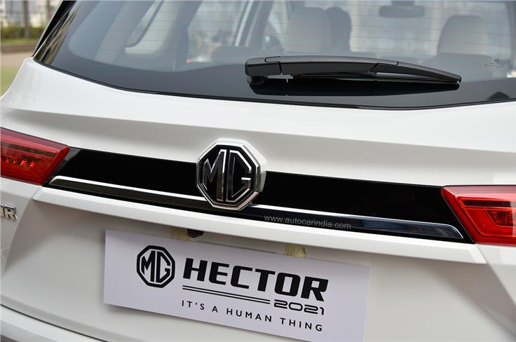 The older model's reflector strip, which ran between the tail-lamps, has been replaced by a black appliqué.