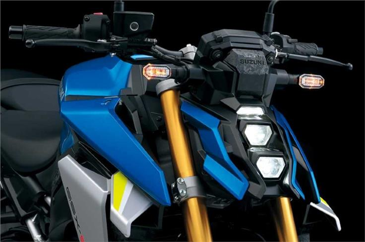 The new vertically stacked LED headlight is nicely executed.