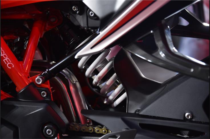 The optional 'Dynamic' kit offers adjustable suspension at both ends, at a cost of Rs 12,000.