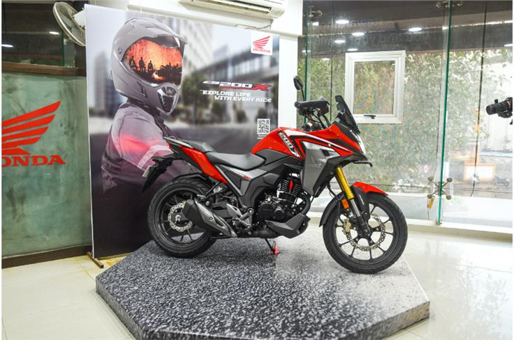The changes at the front of the bike make it look more substantial and give the CB200X a good deal of road presence.