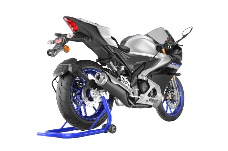 The newly introduced R15M variant costs slightly more, at Rs 1.77 lakh.