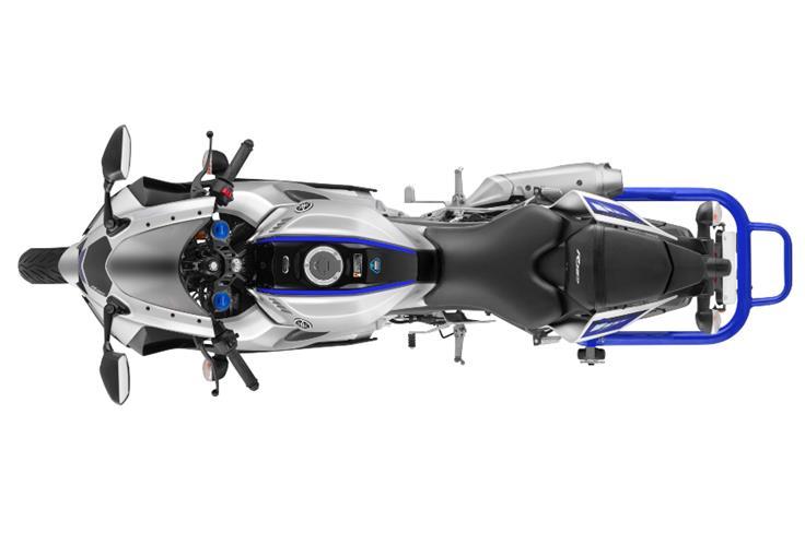 Powering the Yamaha R15 is the same 155cc, four-valve engine.